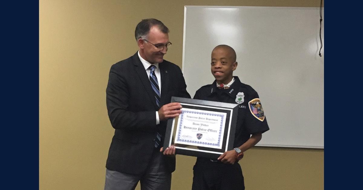 Dejon Walker named Honorary Valparaiso Police Officer
