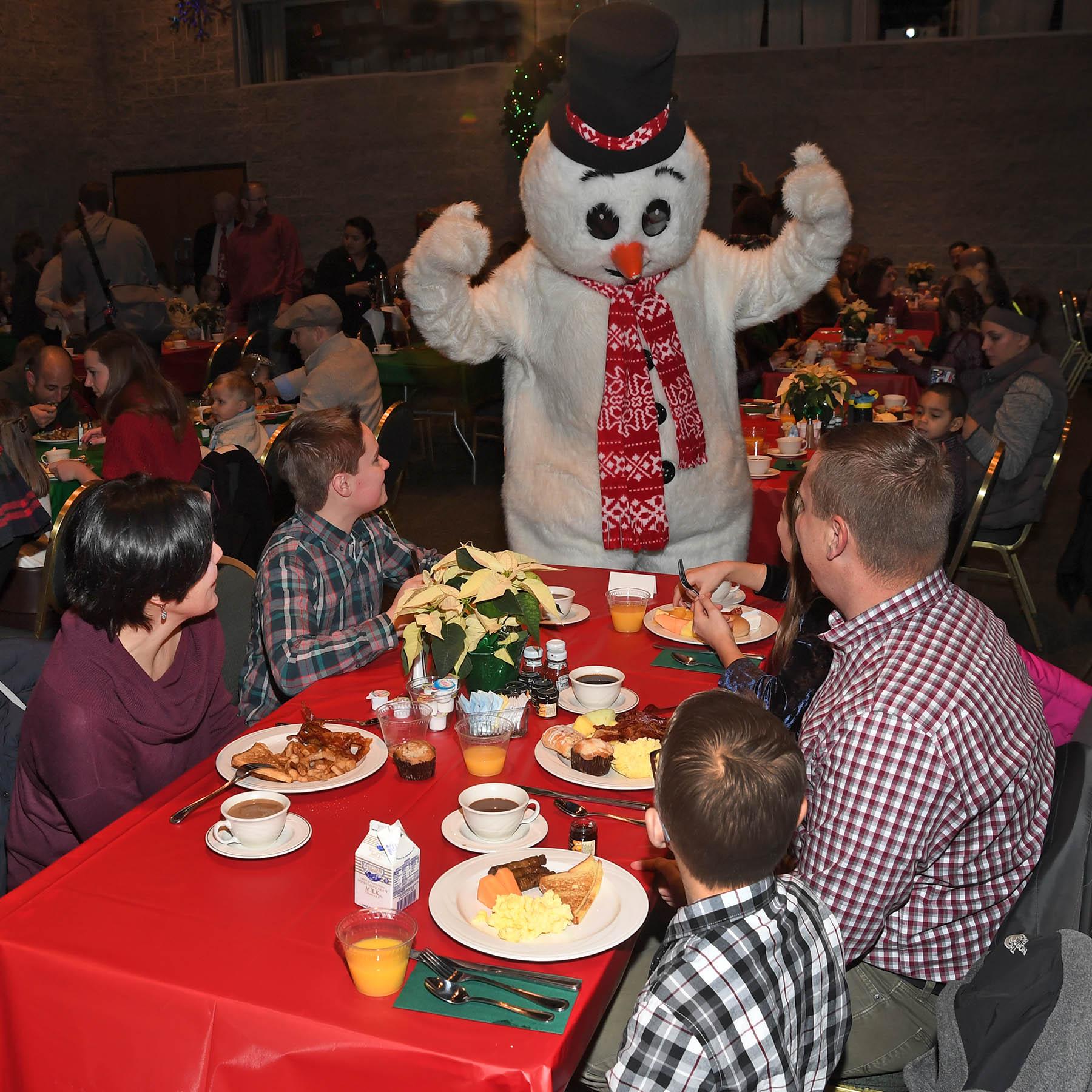 Brookfield Zoo's Breakfast with Santa