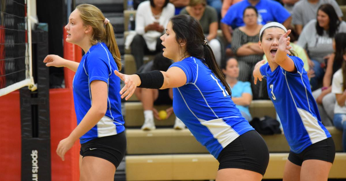 Valpo Volleyball takes on Lake Central in five set nail biter