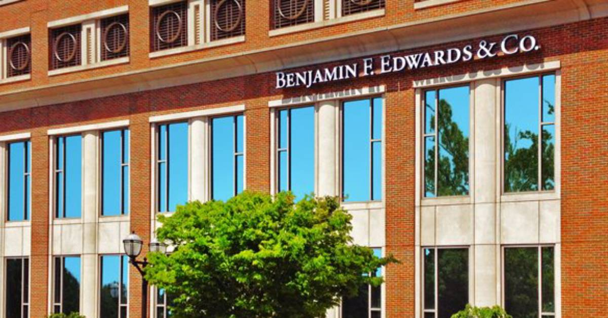 Today Benjamin F. Edwards & Co. welcomes new employee to office in Chesterton, Indiana