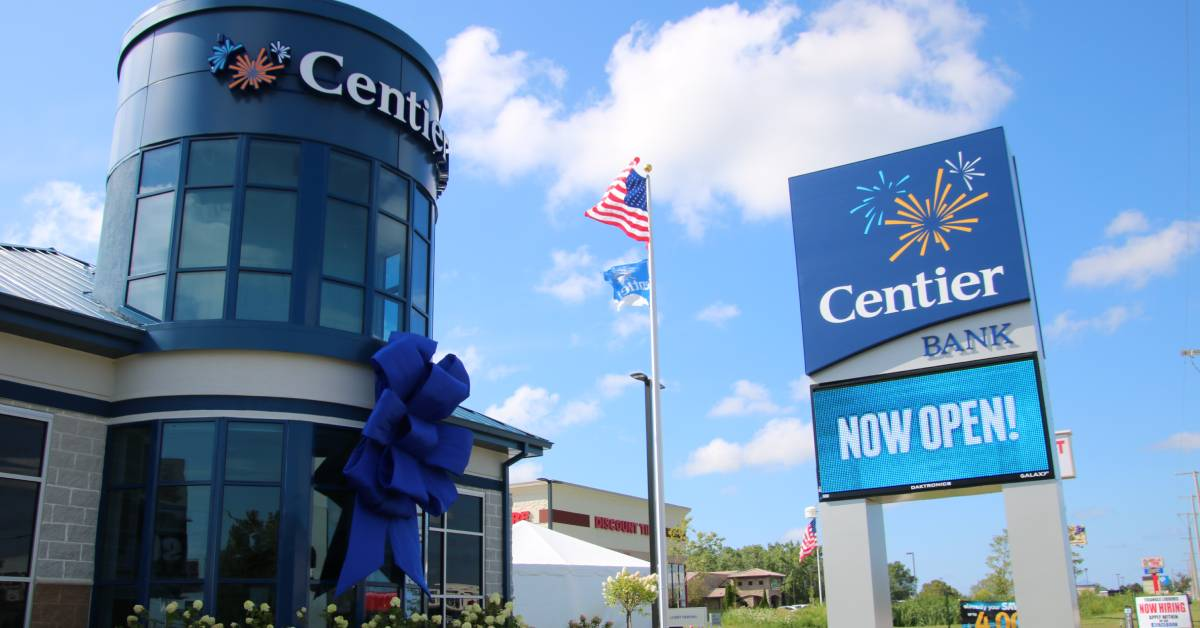 Centier Bank awarded Bank of the Year by the Regional Development Company