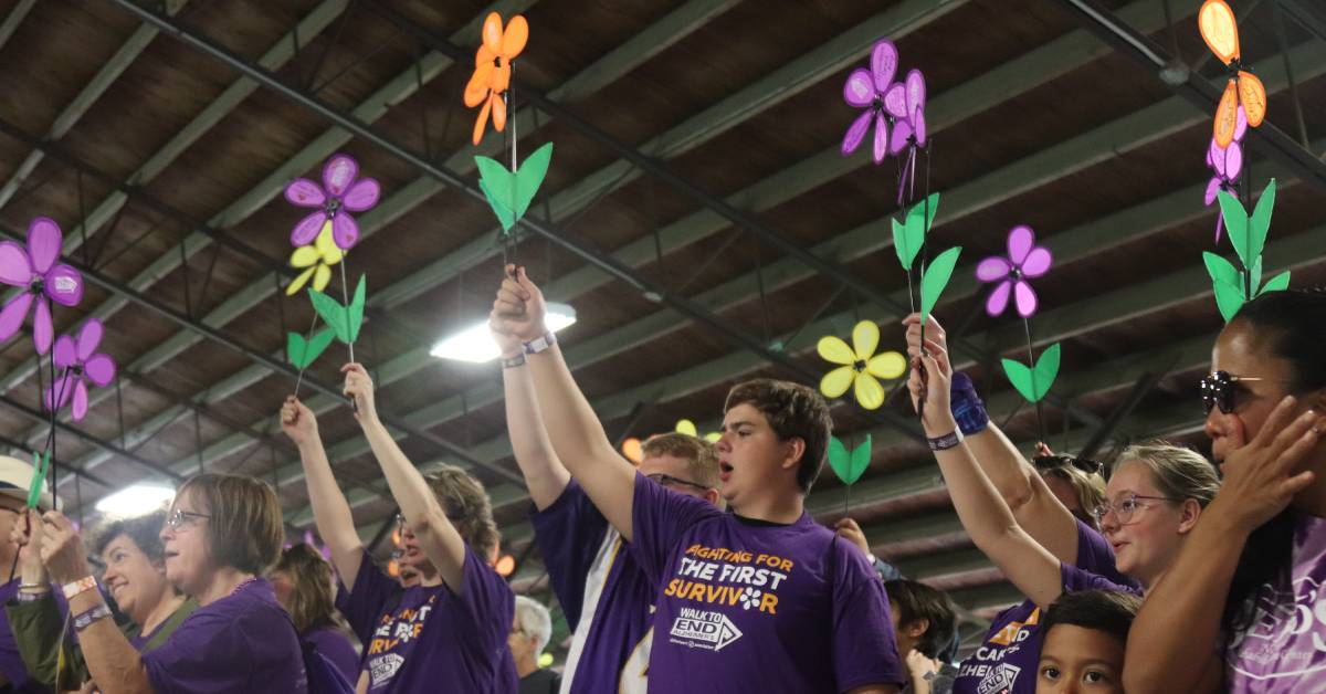 Hundreds participate in Lake County Walk to End Alzheimer's
