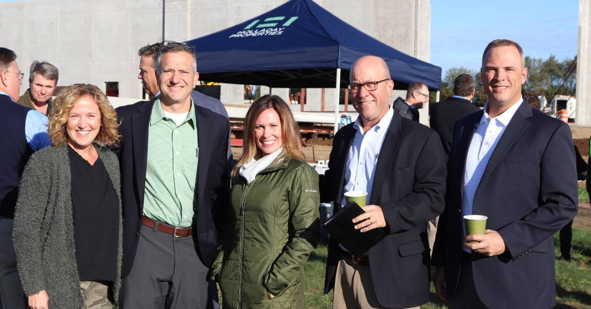 Holladay and Barley Properties hold panel signing ceremony celebrating new facility
