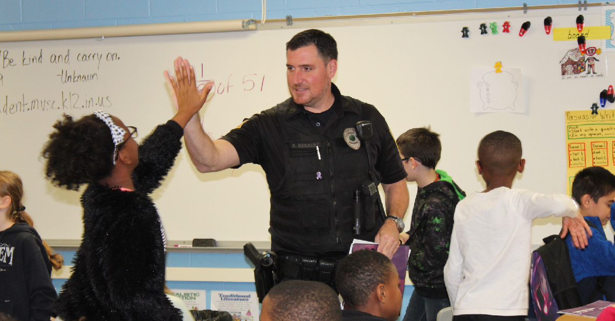 Hobart officer brings lessons to Merrillville fourth graders