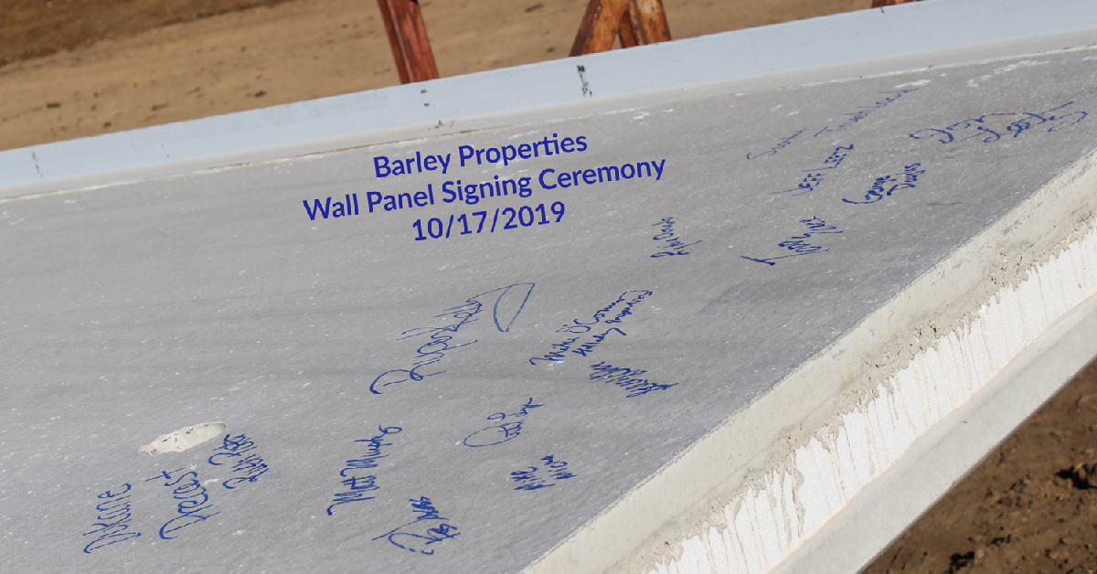 Wall panel signing ceremony held in Valparaiso