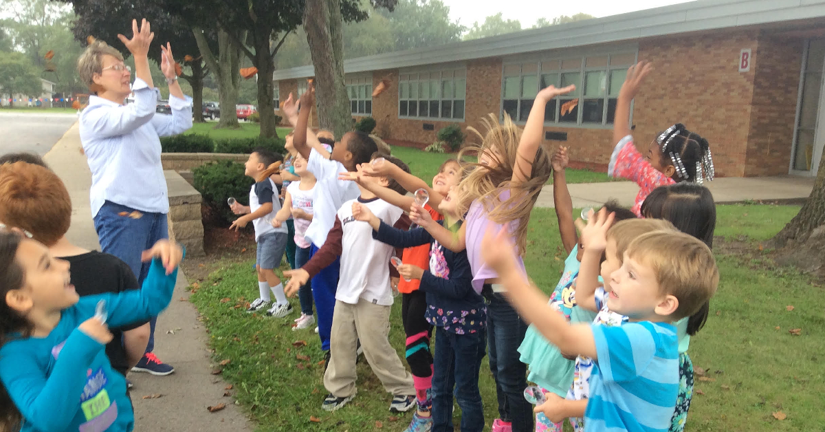 Myers Elementary kindergarten class learns about soil, water conservation
