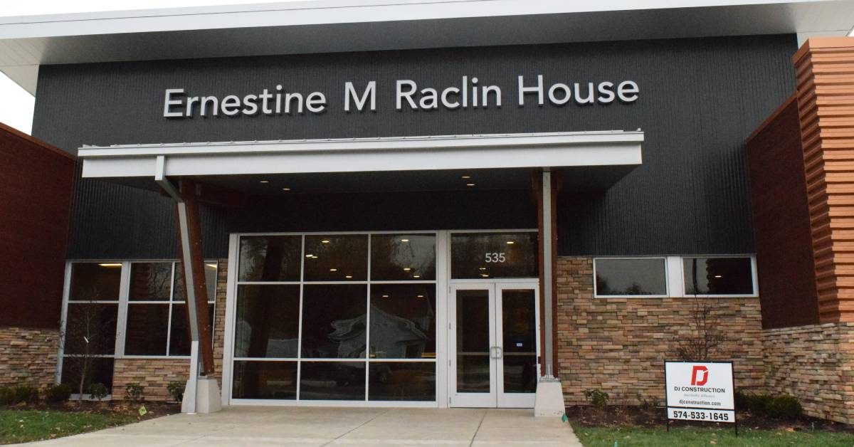 Hospice Foundation dedicates Ernestine M. Raclin House
