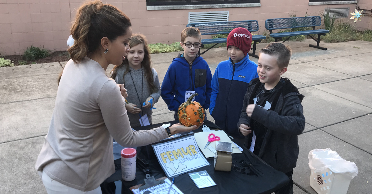 Kolling Elementary participates in mystery day