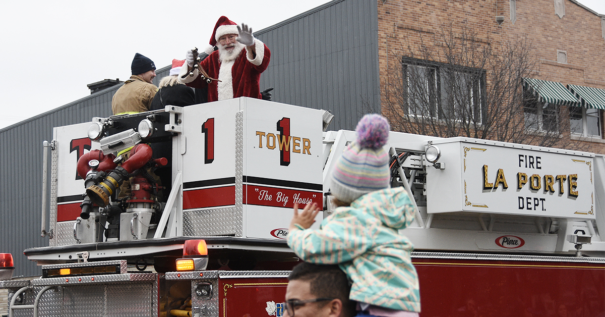 Annual Santa Parade Welcomes Christmas Season to Downtown La Porte