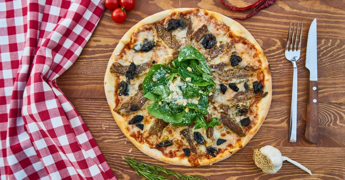 Spend the busiest pizza night in America at Albano's Villa