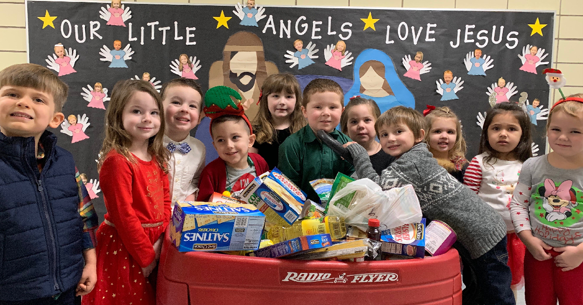 St. Mary's students organize Christmas food drive