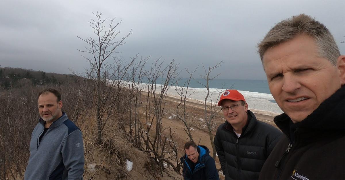 Thomas Kia of Highland builds camaraderie at Indiana Dunes