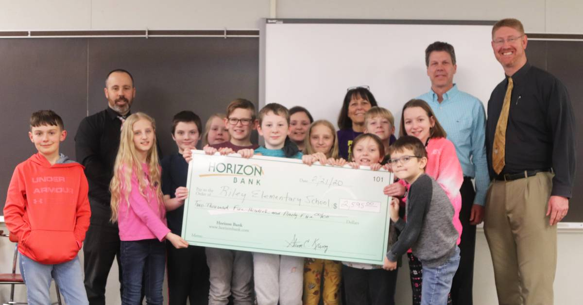 Horizon Bank boosts Riley Elementary School's robotics program