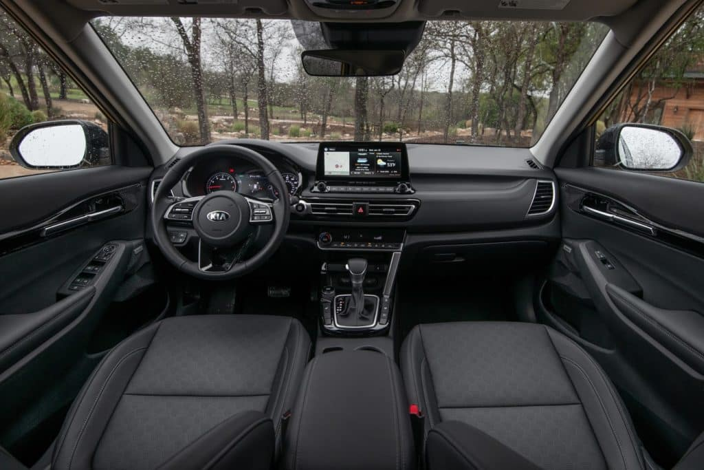View of the driver's seat and passenger's sear in the 2021 Kia Seltos
