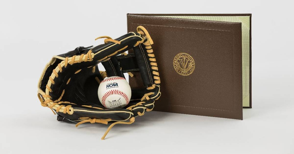 Valpo Baseball receives ABCA Team Academic Excellence Award