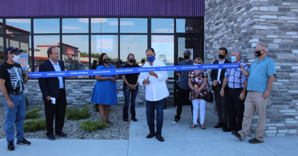 Wise Guys Discount Liquors celebrates Grand Opening at new Valparaiso location