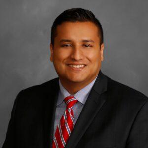 headshot Alfredo Estrada