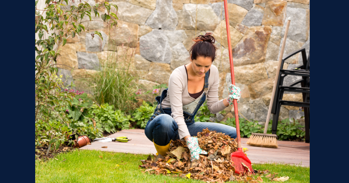 5 Tips for Avoiding Low Back Pain While Raking Leaves