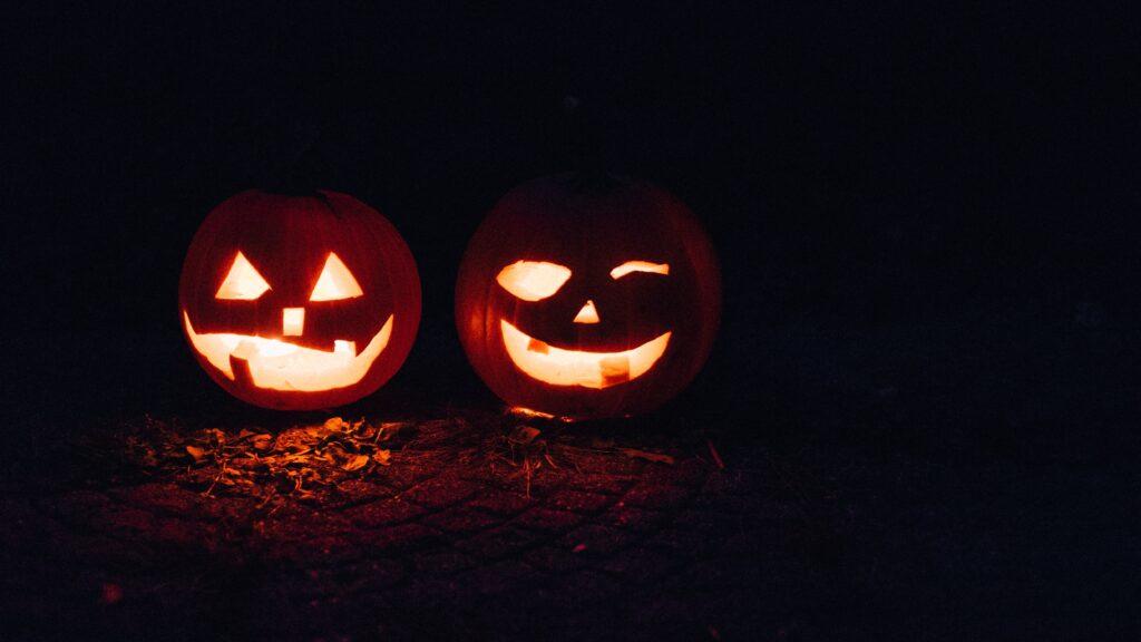 lit up pumpkins