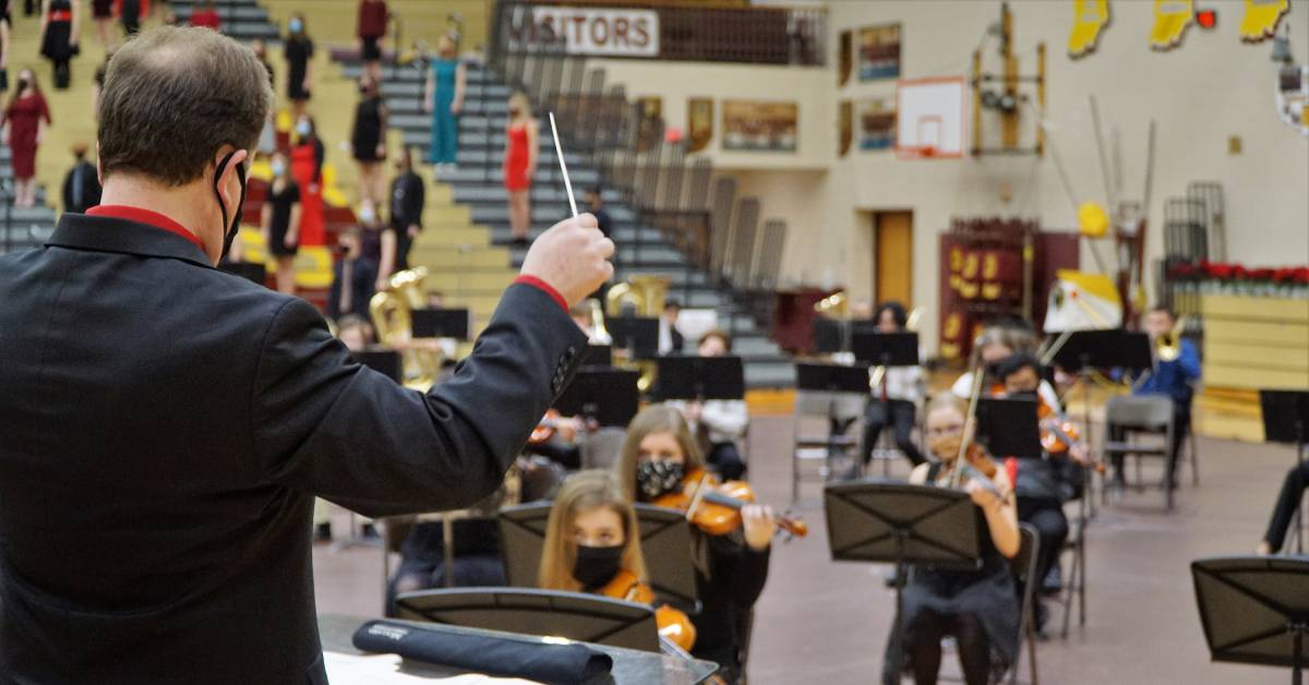 Chesterton High School welcomes spirit of Christmas with second annual Music Department Holiday Concert