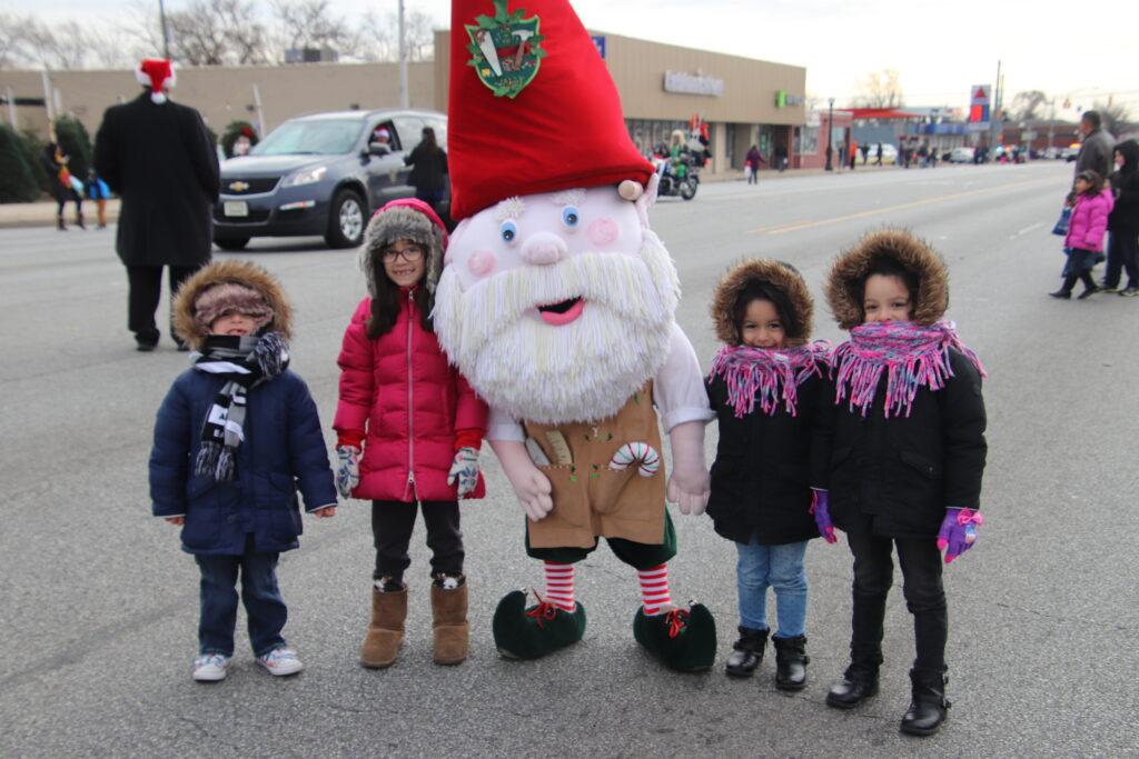 kids and mascot