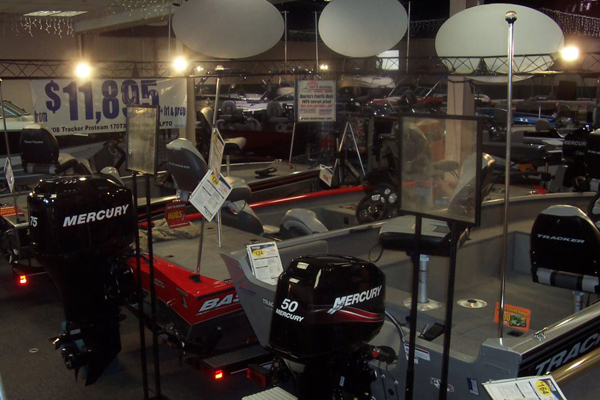 2014-nwi-boat-show-1