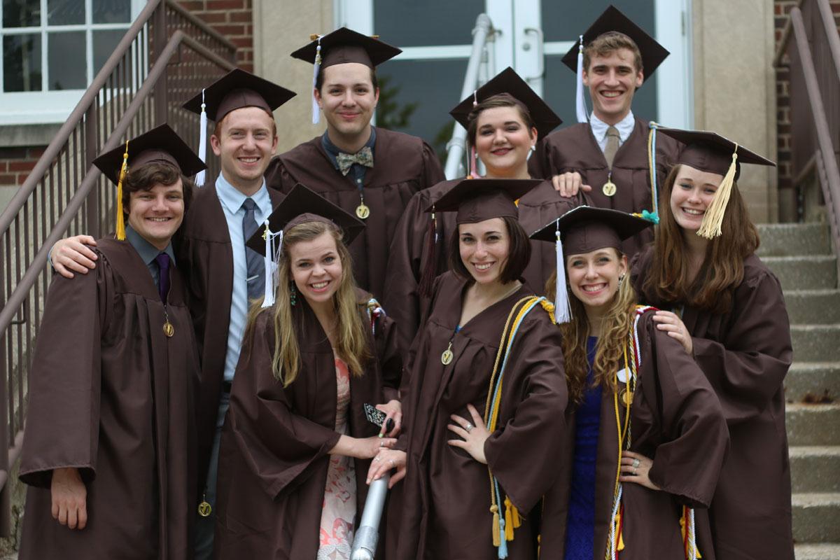 2015-graduation-vu