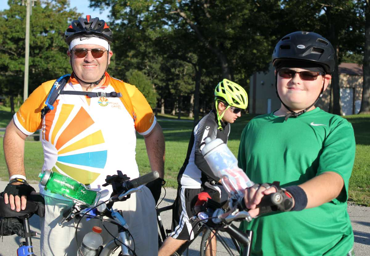Hundreds of Cyclists Show Support for Hospice of Calumet Area with 2015 Hospice Hustle