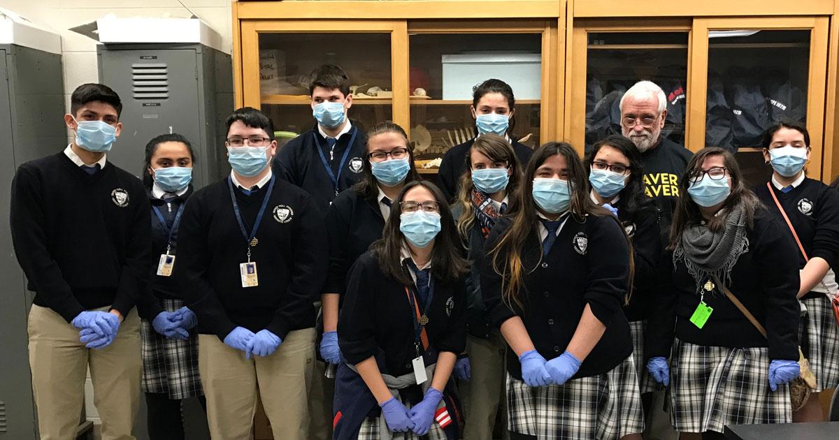 Bishop-Noll-Science-Students-Visit-Cadaver-Lab