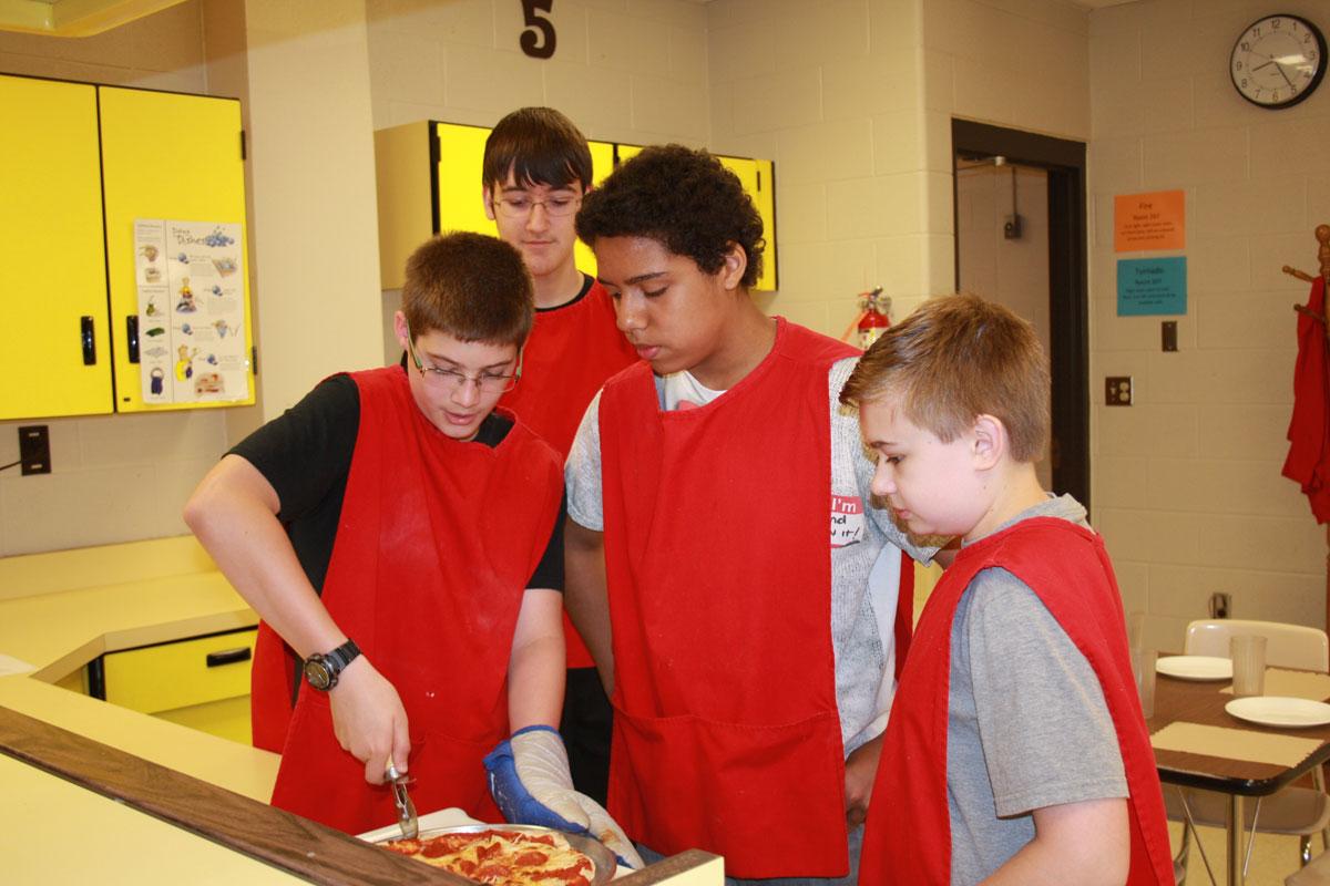 Boston-Middle-School-Making-Pizza-2015-01