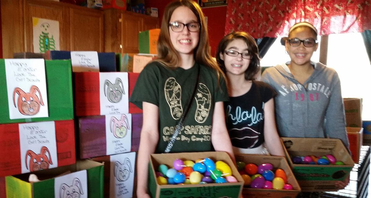 Cadette-Girl-Scouts-Donate-to-Carmelite-House-01