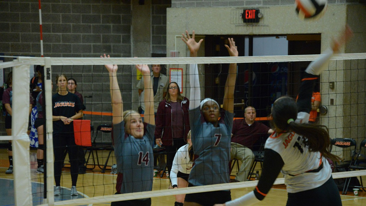 CCSJ-Lady-Wave-Open-Up-CCAC-Slate-With-Loss-to-Jaguars