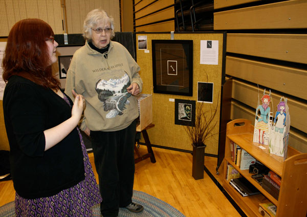 CHS-local-artist-Marge-Crawford-discusses-work-with-Abi-indstedt