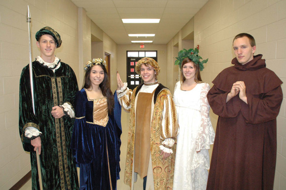 CHS-Madrigal-Dinners