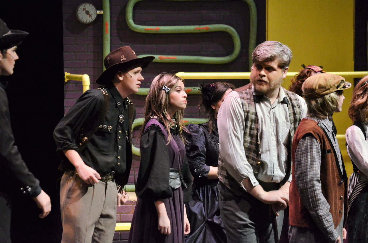Crown-Point-High-School-Theatre-Production-Willy-Wonka-2017_02