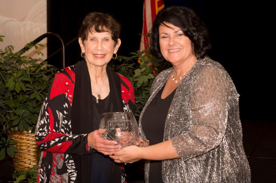 First Trust Credit Union's Rona Edquist Receives Leadership Achievement Award