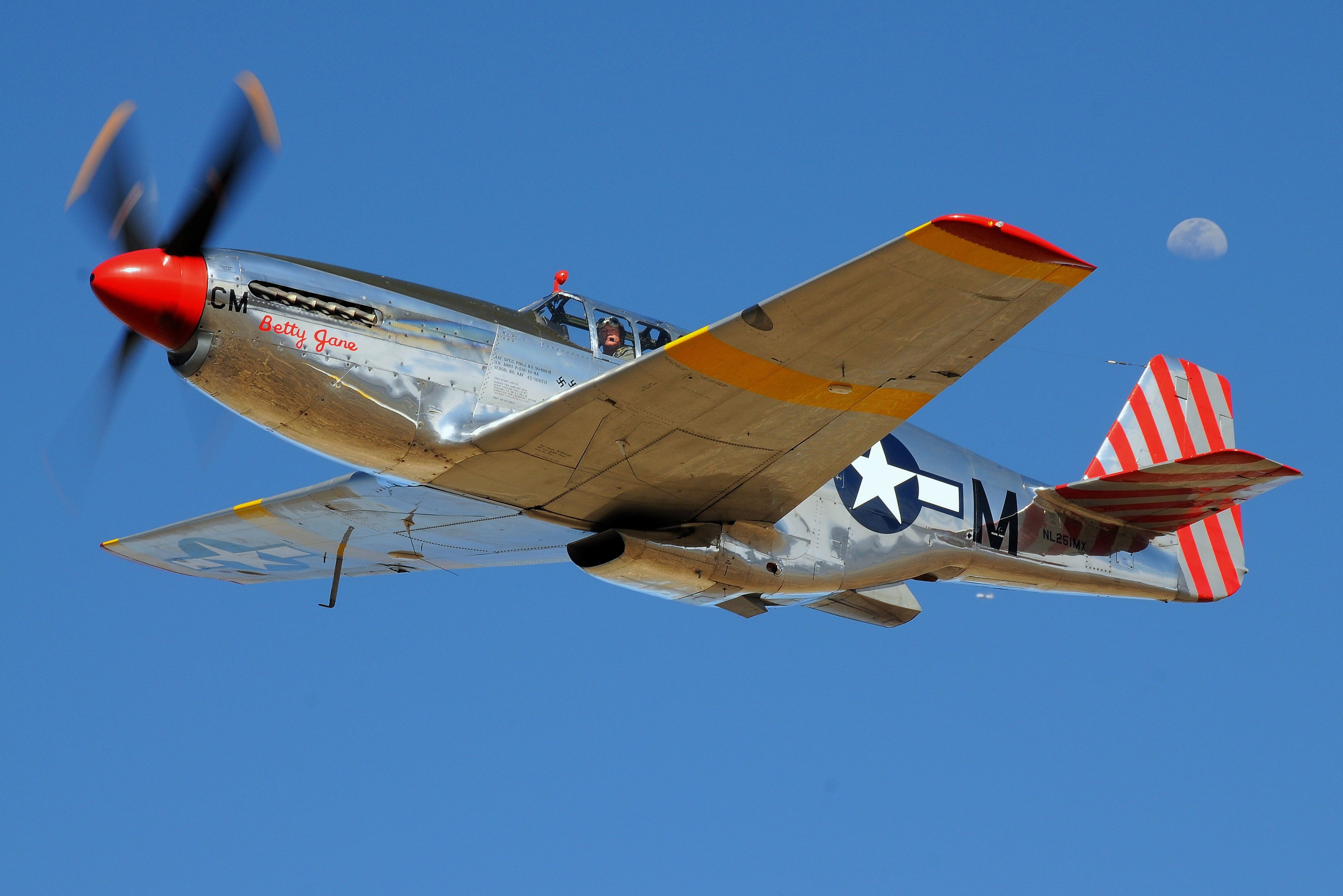 Four Famous WWII Bombers and Fighter Aircraft are Coming to Valparaiso