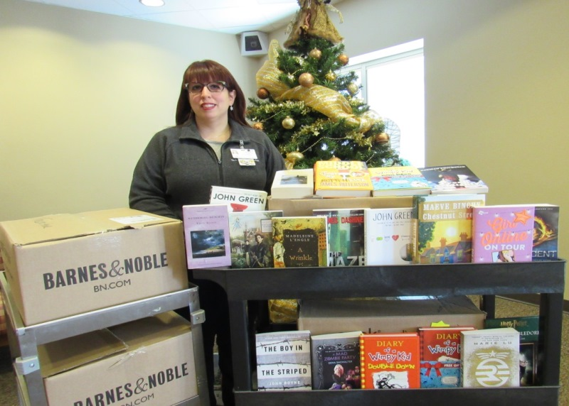 Franciscan-Health-Dyer-Barnes-and-Noble-Books-Christmas-Cheer