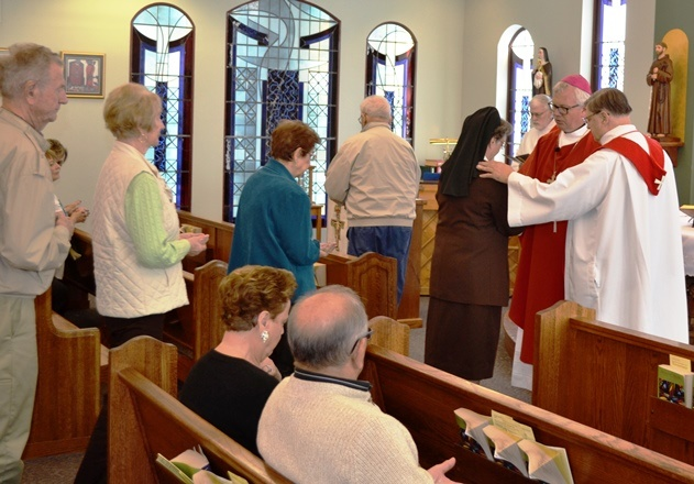 Franciscan-St-Anthony-Health-Crown-Point-Celebration-Remembers-Health-Care-Providers