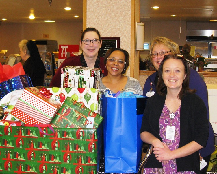 Franciscan-St-Anthony-Health-Michigan-City-Brings-Yule-Cheer-to-Needy-Families