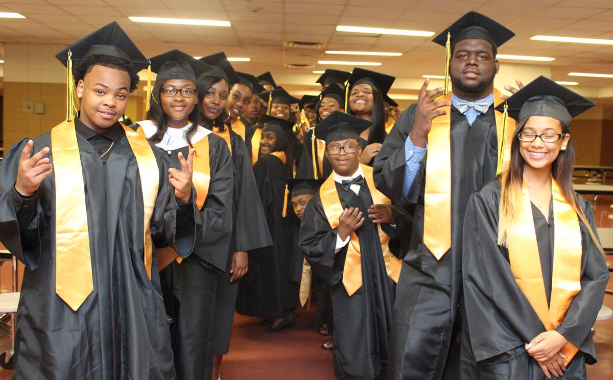 2017-graduation-gary-roosevelt