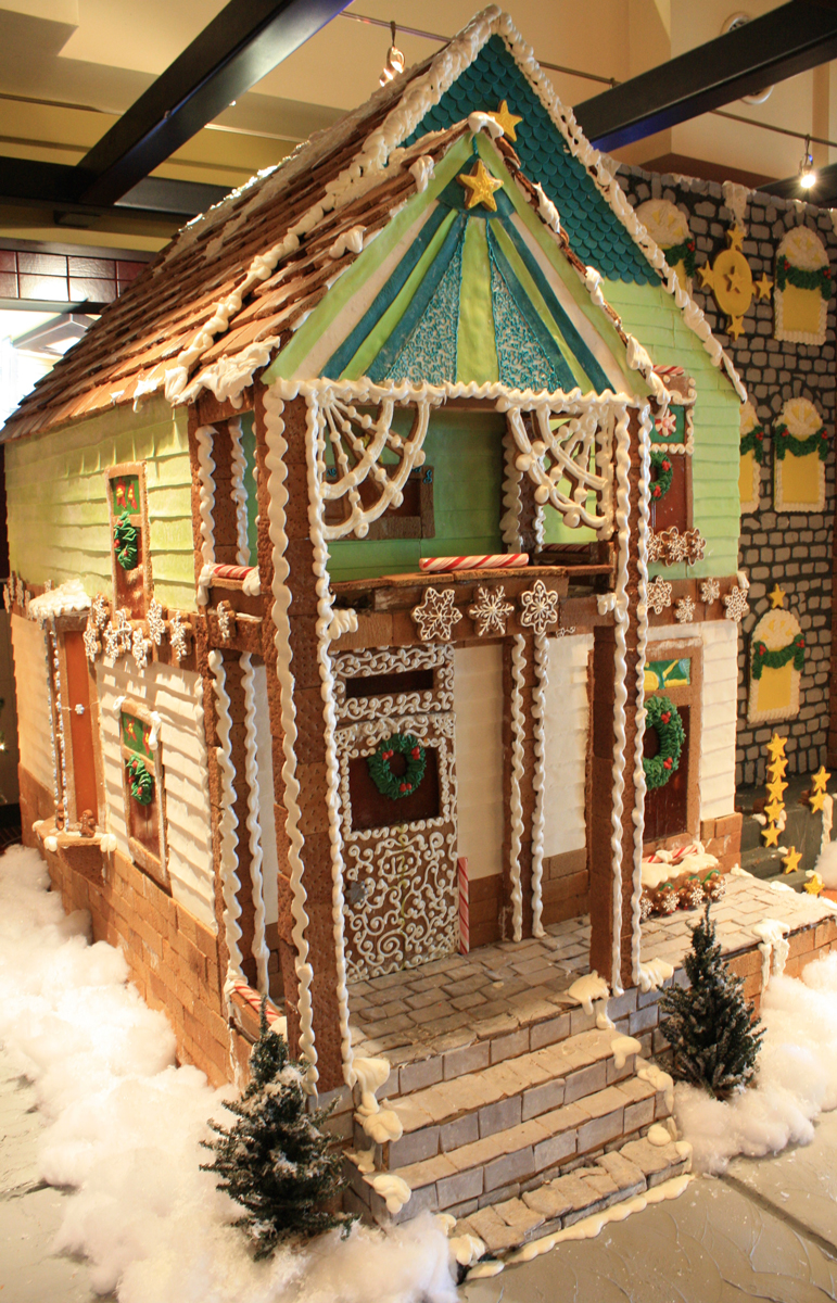 Gingerbread-Village-2013-2