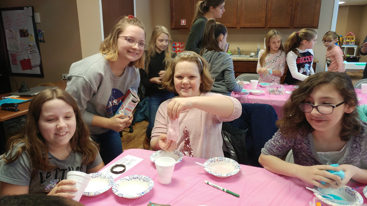Girl-Scouts-Gold-Award-Project-Teaches-STEM-Basics