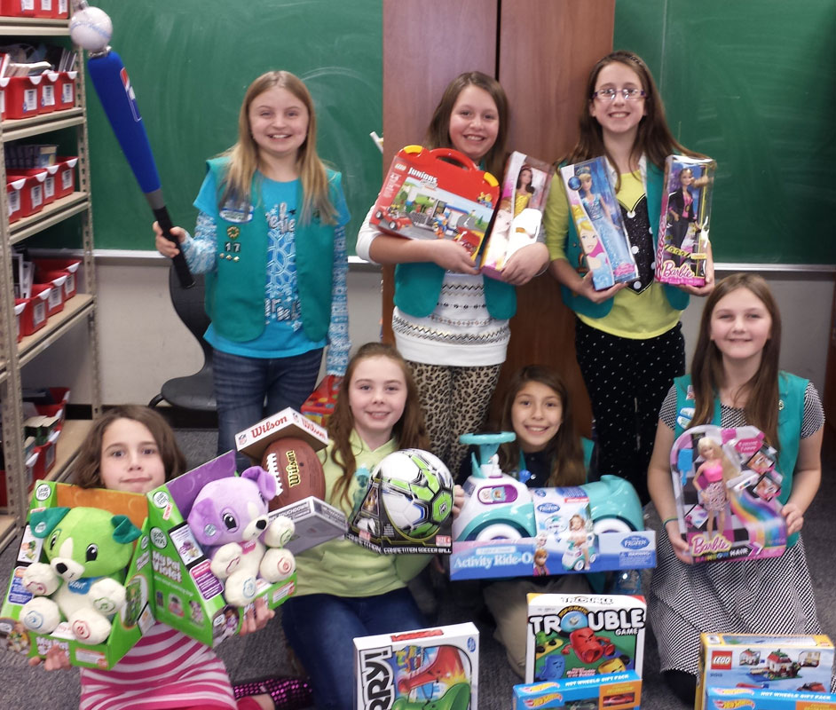 Girl-Scouts-Troop-17-Toys-for-Tots-2014