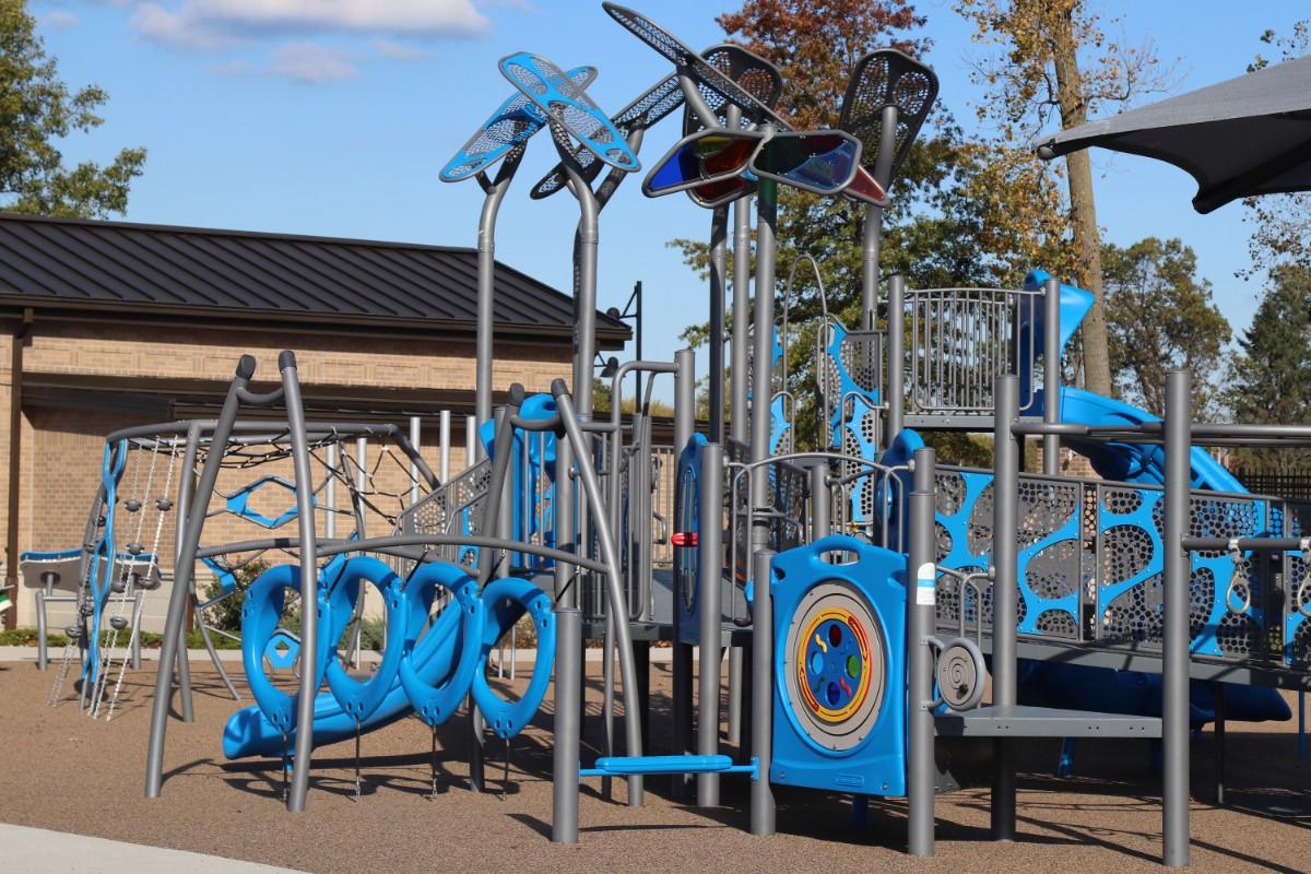 Hannahs-Hope-Playground-grand-opening-ribbon-cutting-1