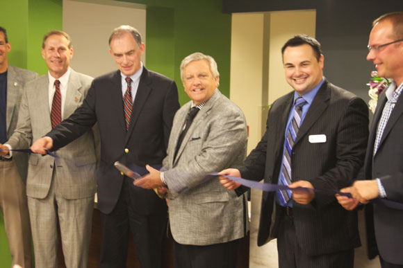 HealthLinc Expands, Opens New Facility to Better Serve Community