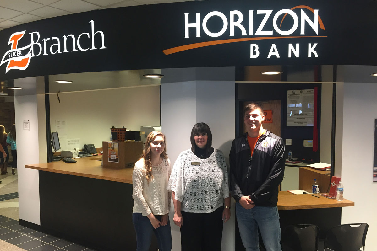 Horizon-Bank-Slicer-Branch-2016