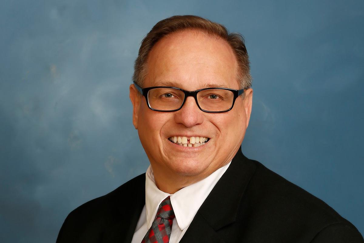 Hospitality-Manager-Bob-Lueder-Named-Officer-at-Centier-Bank-2019