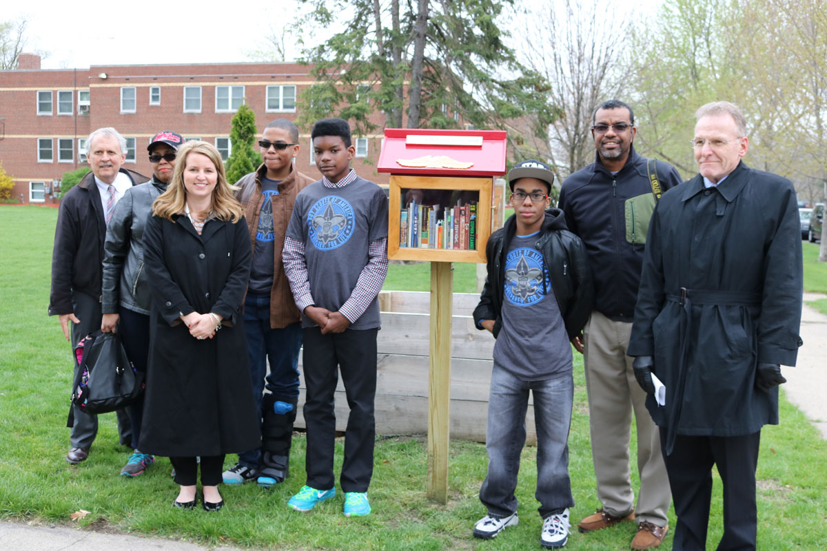 IUN-Boy-Scout-Troop-bring-Little-Free-Library-to-Gary-corner-02