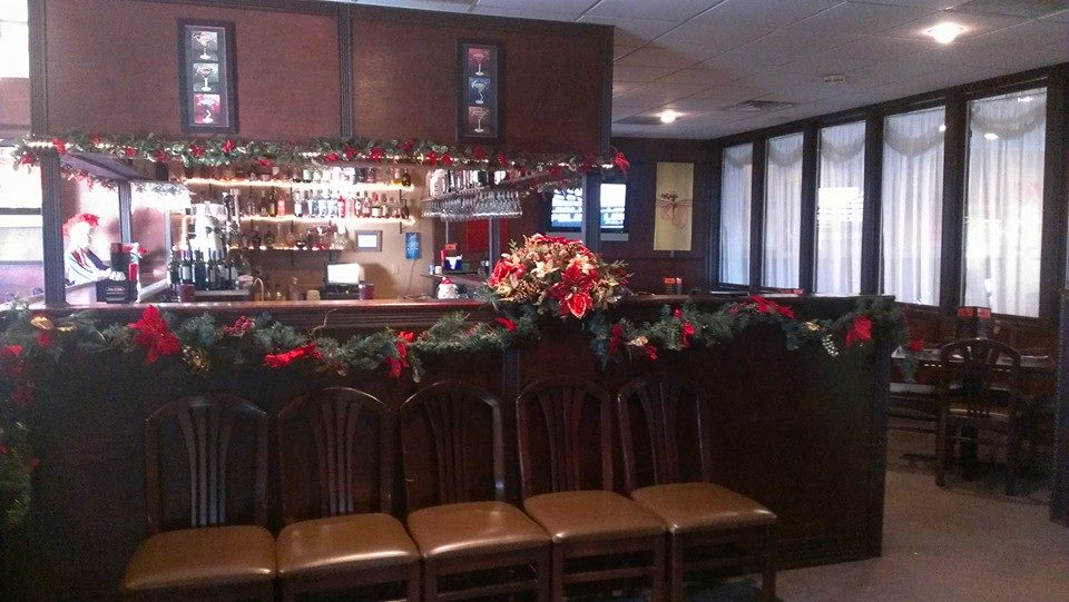kelseys-holiday-bar